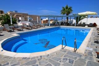 santorini-hotel-aethrio-in-oia-village