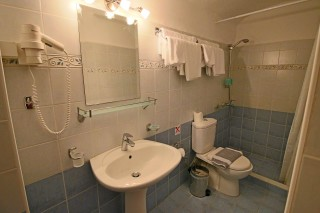 studio aethrio hotel bathroom