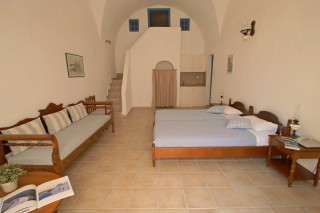 studio aethrio hotel four persons