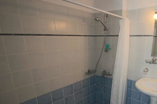 traditional apartments aethrio hotel bathroom
